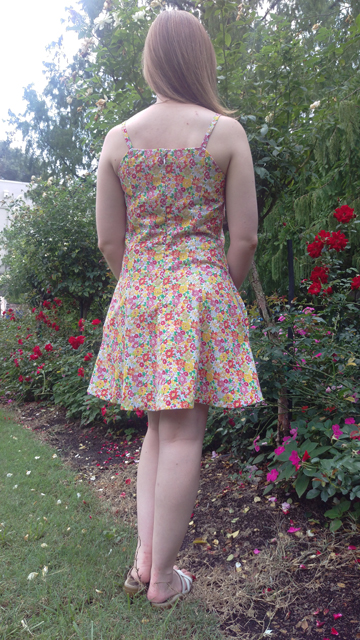 2015-09-10_07_Garden-Party-Dress