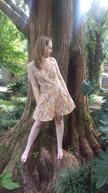 2015-09-10_15_Garden-Party-Dress